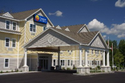 Comfort Inn & Suites Wilton 1 of 6