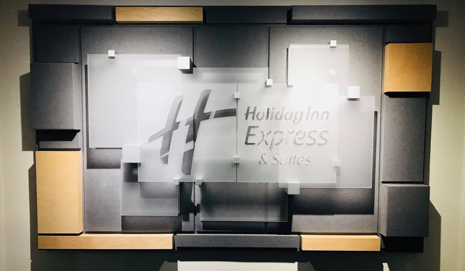 Holiday Inn Express & Suites Phoenix Tempe University 1 of 10