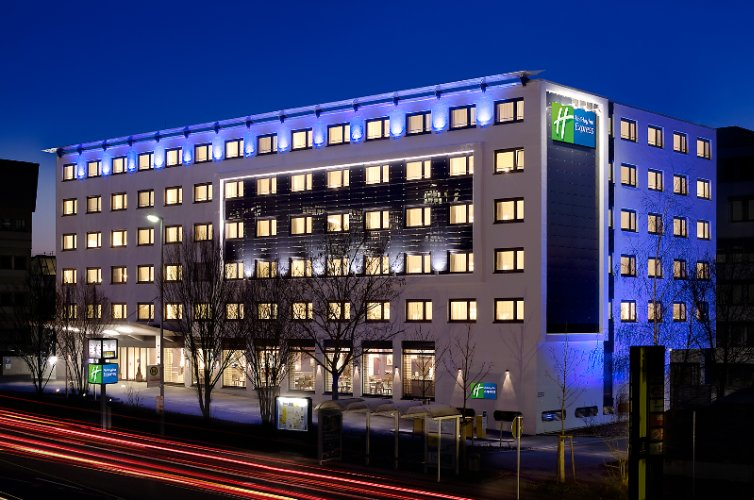 Holiday Inn Express Stuttgart Airport 1 of 9