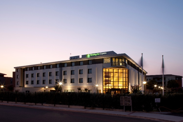 Holiday Inn Express Toulouse Airport 1 of 11