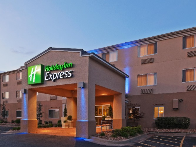 Holiday Inn Express Tulsa Woodland Hills 1 of 4