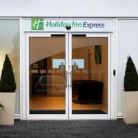 Holiday Inn Express Wakefield 1 of 10