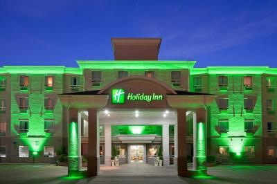 Holiday Inn & Suites 2 of 4