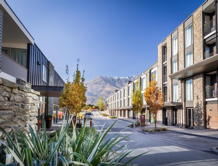 Exterior -Doubletree By Hilton Queenstown 4 of 11