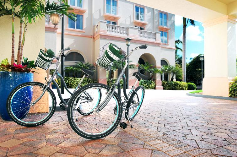Hilton Naples Complimentary Bicycles 11 of 13