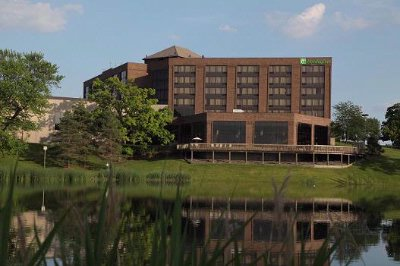 Holiday Inn Crystal Lake & Conference Center