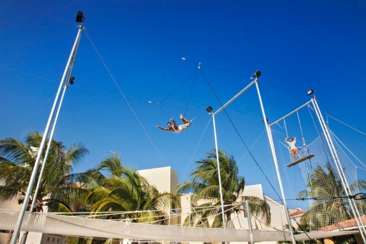 Trapeze 22 of 28