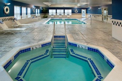 Indoor Pool & Whirlpool 9 of 9