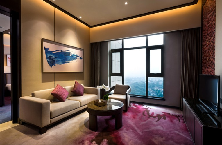Crowne Plaza Superior Suite_ Living Room 4 of 18