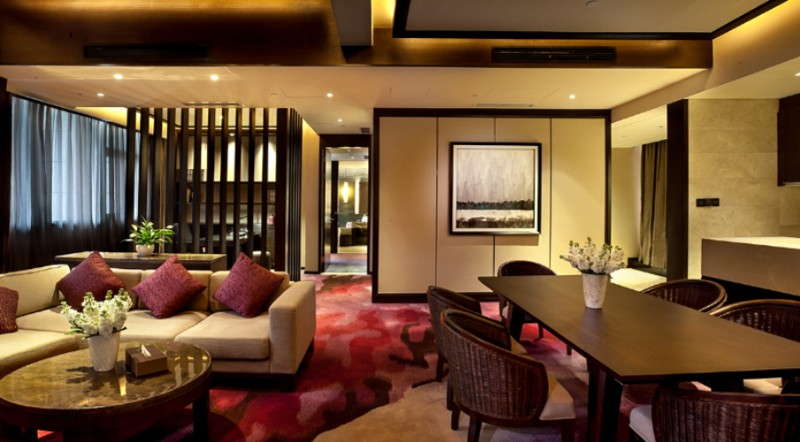 Crowne Plaza Special View Suite _living Room 5 of 18