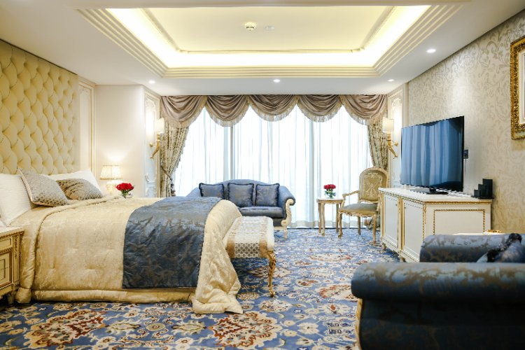 Crowne Plaza Kuwait Al Thuraya City Royal Suite 4 of 9