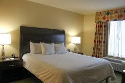 Hilton Garden Inn Cranberry -One King Bed 6 of 7