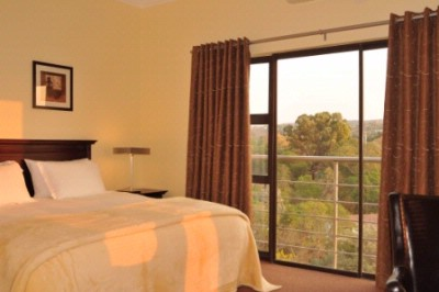 Luxury Room Overlooking Thr River 5 of 7