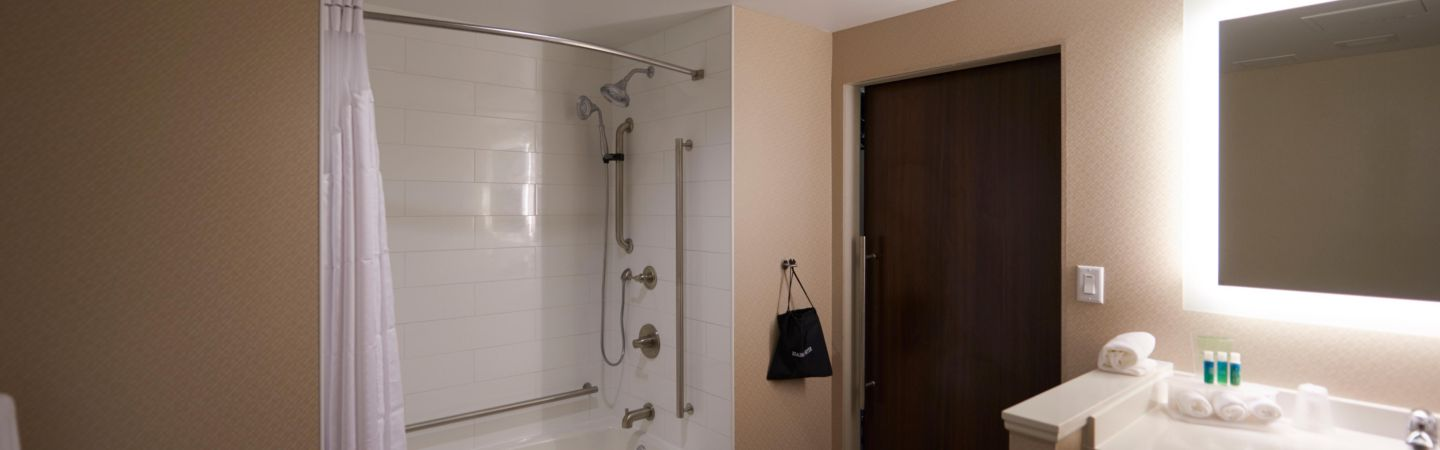 Accessible Shower 6 of 21