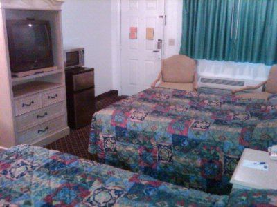 Standard Room With 2 Double Beds 3 of 6
