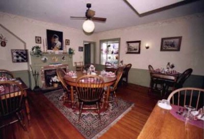 Oak Dinning Room 9 of 16