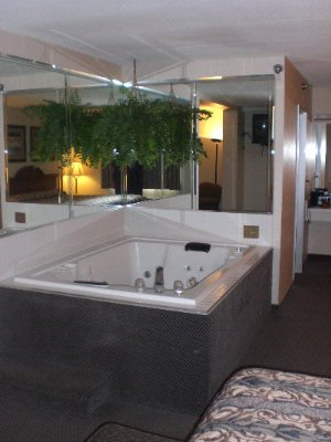 Hot Tub Room 7 of 7