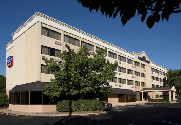 Fairfield Inn & Suites Parsippany 1 of 8