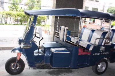 Free Tuk-tuk Service To Surroundings 10 of 10