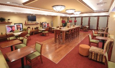 Enjoy Free Continental Breakfast And Interact With Other Guest In Our Perfect Mix Lobby. 3 of 10
