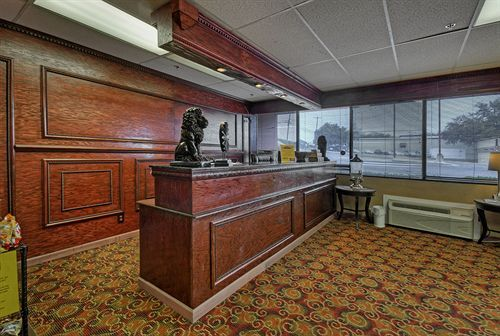 Front Desk 5 of 22