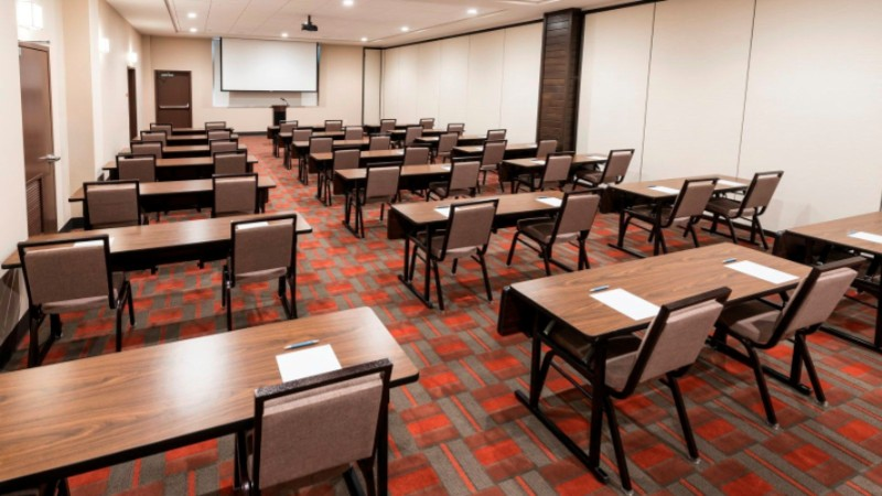 Meeting Class Room Style 10 of 13