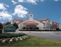 La Quinta Inn & Suites Dallas Addison Galleria 1 of 8