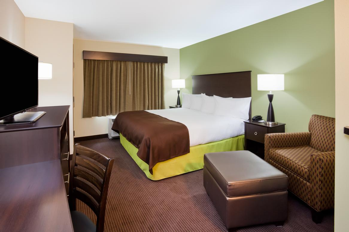 Americinn Hotel Suites Dewitt Ia 2520 12th St Court 52742