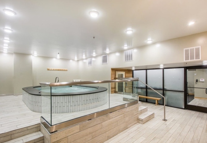 Indoor Hot Tub 6 of 23