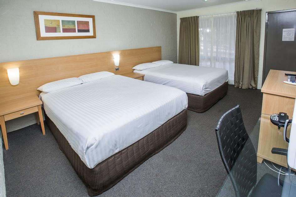 Superior Twin Room 3 of 7