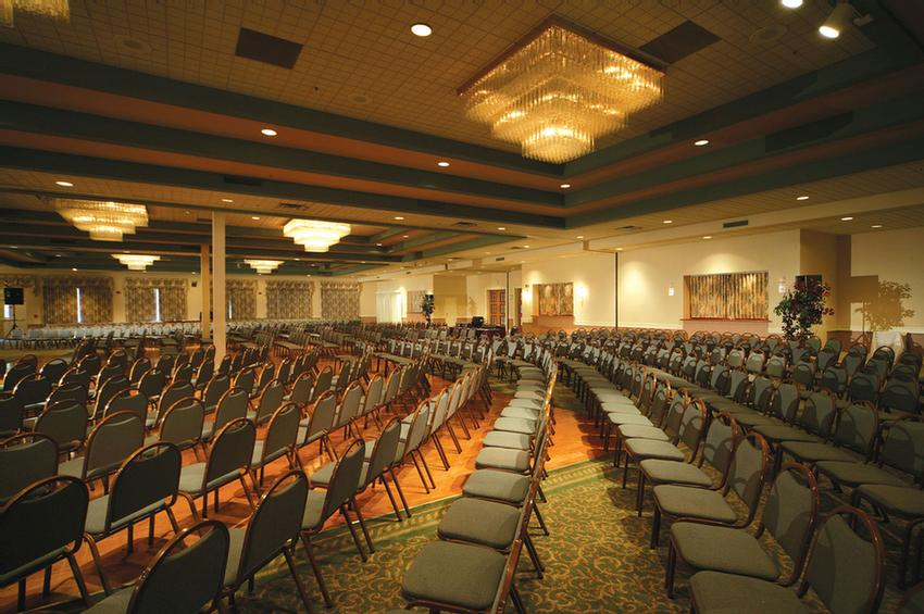 Turf Valley\'s Grand Ballroom 17 of 20