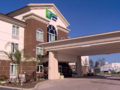 Image of Holiday Inn Express Dinuba