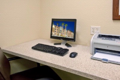 Candlewood Suites Business Center 5 of 12