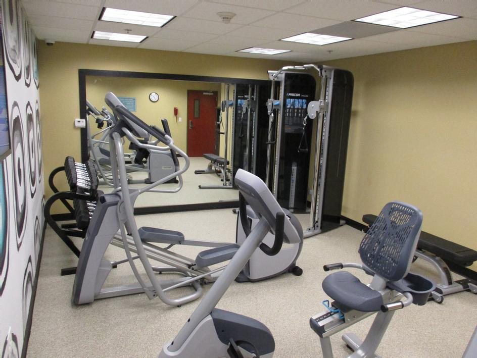 Fitness Center 9 of 27