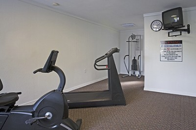 Complimentary Fitness Room 8 of 15