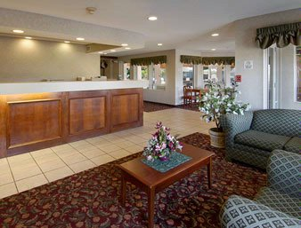 Baymont Inn & Suites Dowagiac 1 of 11