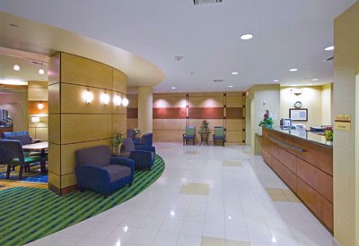 Lobby And Front Desk 3 of 11