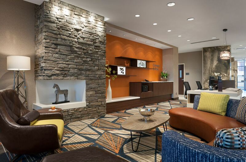 Lobby-Sitting Area 17 of 21