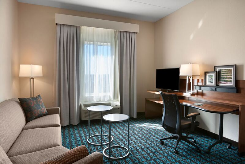 King Executive Suite-Living Space 4 of 21