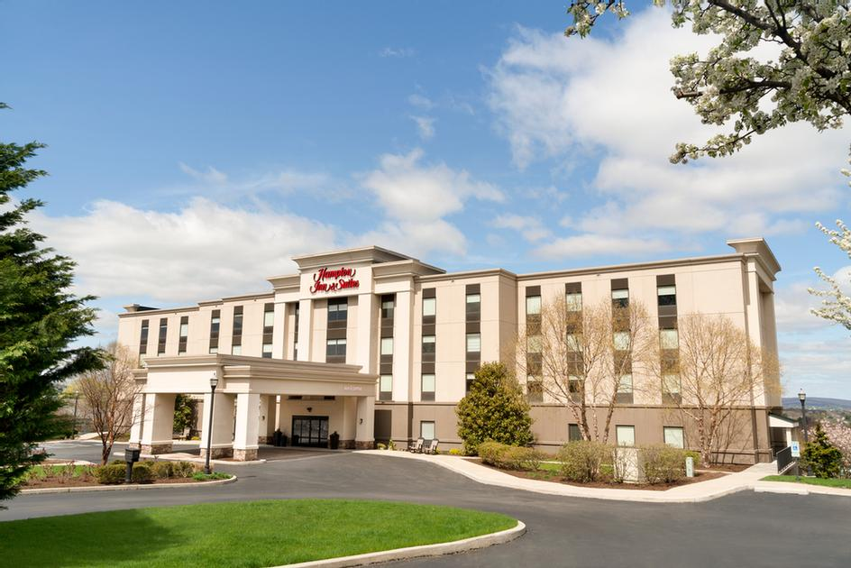 Hampton Inn & Suites Ephrata 1 of 11