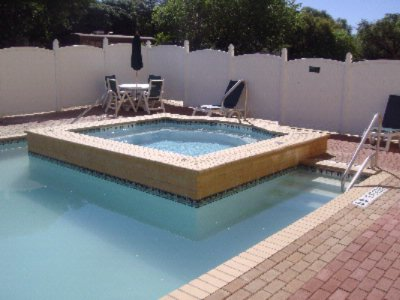 Outdoor Pool & Hot Tub 3 of 11