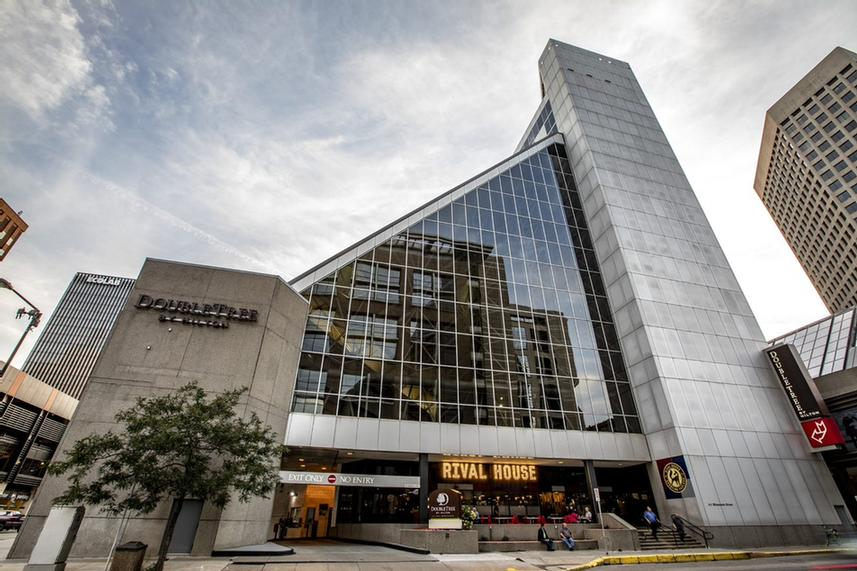 Image of Doubletree by Hilton Hotel St. Paul Downtown