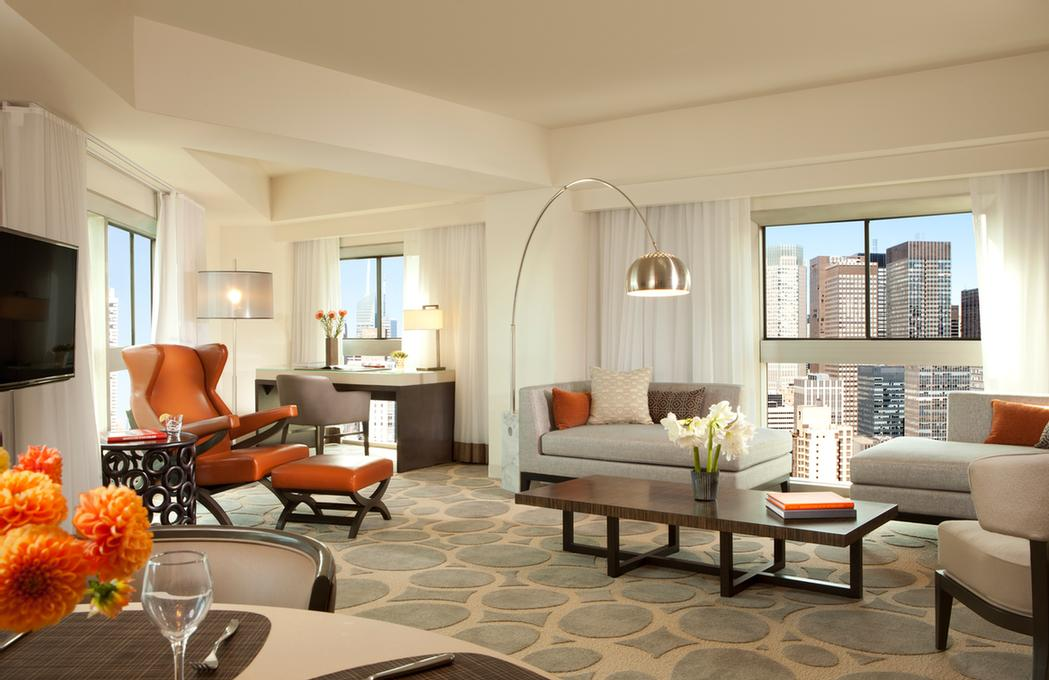 Diplomat Two Bedroom Suite 16 of 24