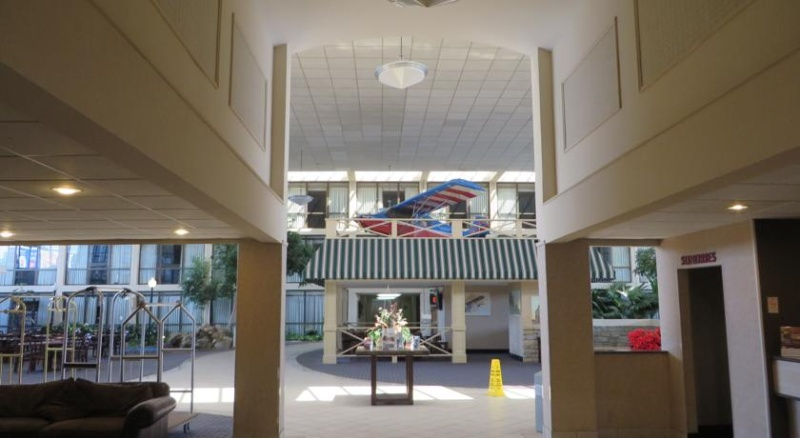 Lobby And Atrium 6 of 29