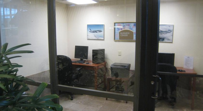Business Center 8 of 29