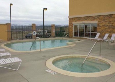 Outdoor Heated Pool And Spa 7 of 7