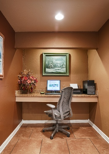 Stay In Touch Or Get Some Work Done In Our Business Center 5 of 13