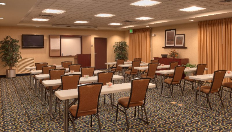 Large Conference Room-Cotton Room 8 of 15