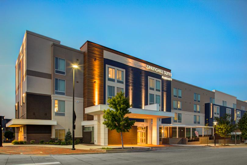 Springhill Suites Kansas City Lenexa / City Center 1 of 5