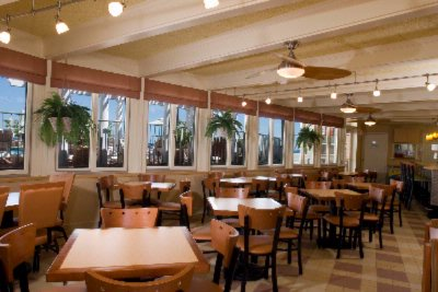 Reges Oceanside Cafe\' & Beach Grille 7 of 9